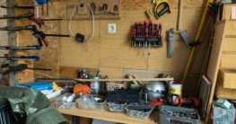 Werkzeuge für den Bau von Gartenhäusern